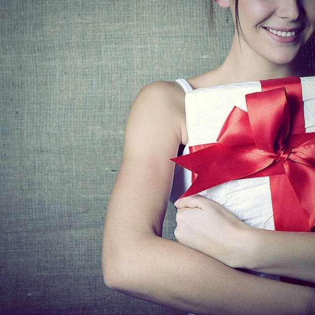 New Twist On Christmas Gift-Giving